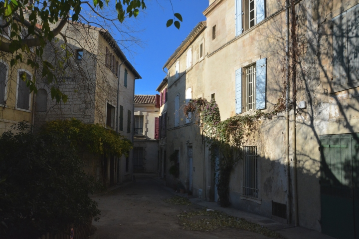 Arles maisons place.JPG