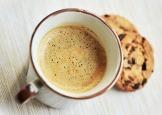 Un bon café avec des cookies