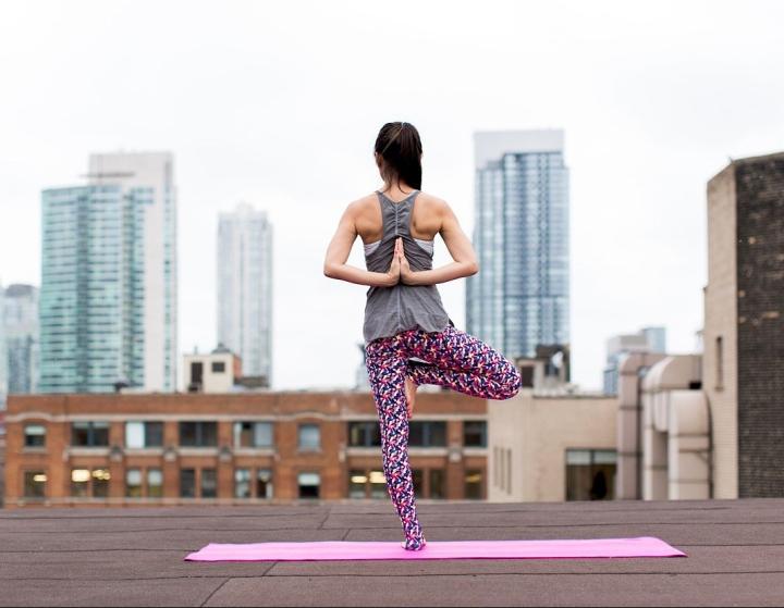 10 postures de yoga pourdébutants