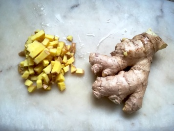 Le gingembre coupé finement
