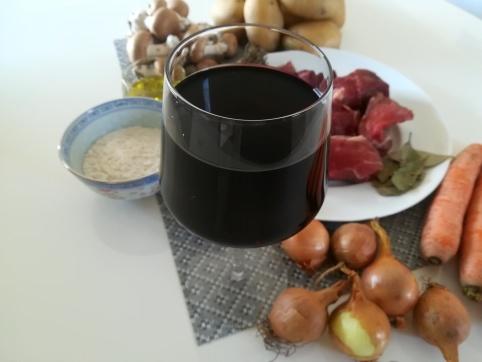 Le verre de vin rouge