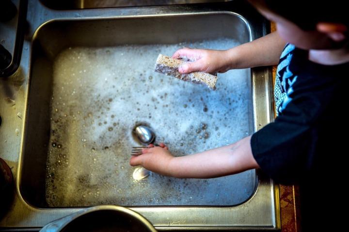 Faire la vaisselle bicarbonate de soude