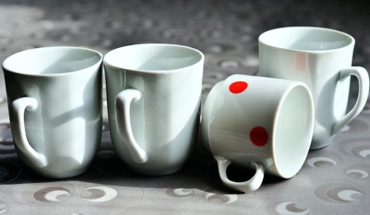 Tasses propres bicarbonate de soude