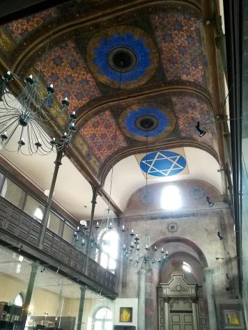 Plafond de la synagogue