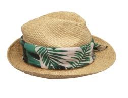 Chapeau avec foulard Naf Naf - Source : GaleriesLaFayette.com
