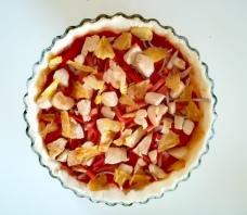 Ajout des ananas sur la tarte