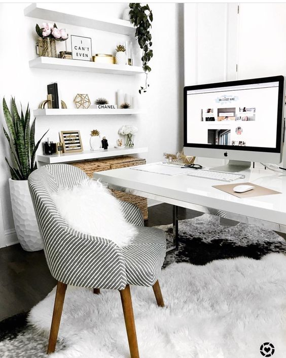 Bureau pinterest Kayleigh Williams