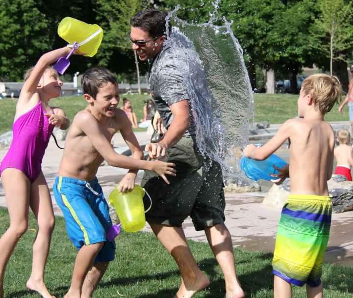 bataille d eau ete famille