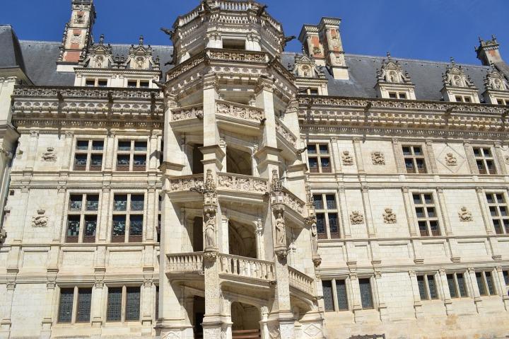 chateau-de-blois-escalier