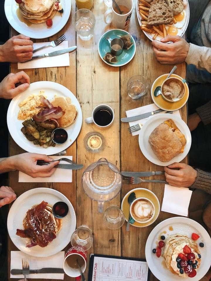 dejeuner restaurant en famille