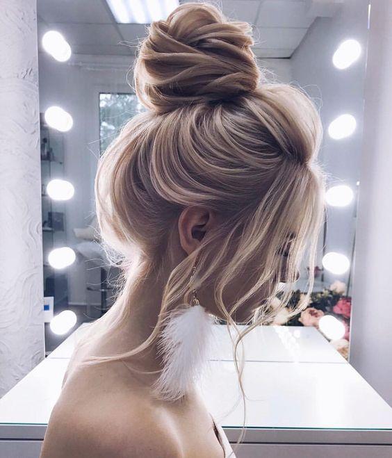 coiffure chignon haut