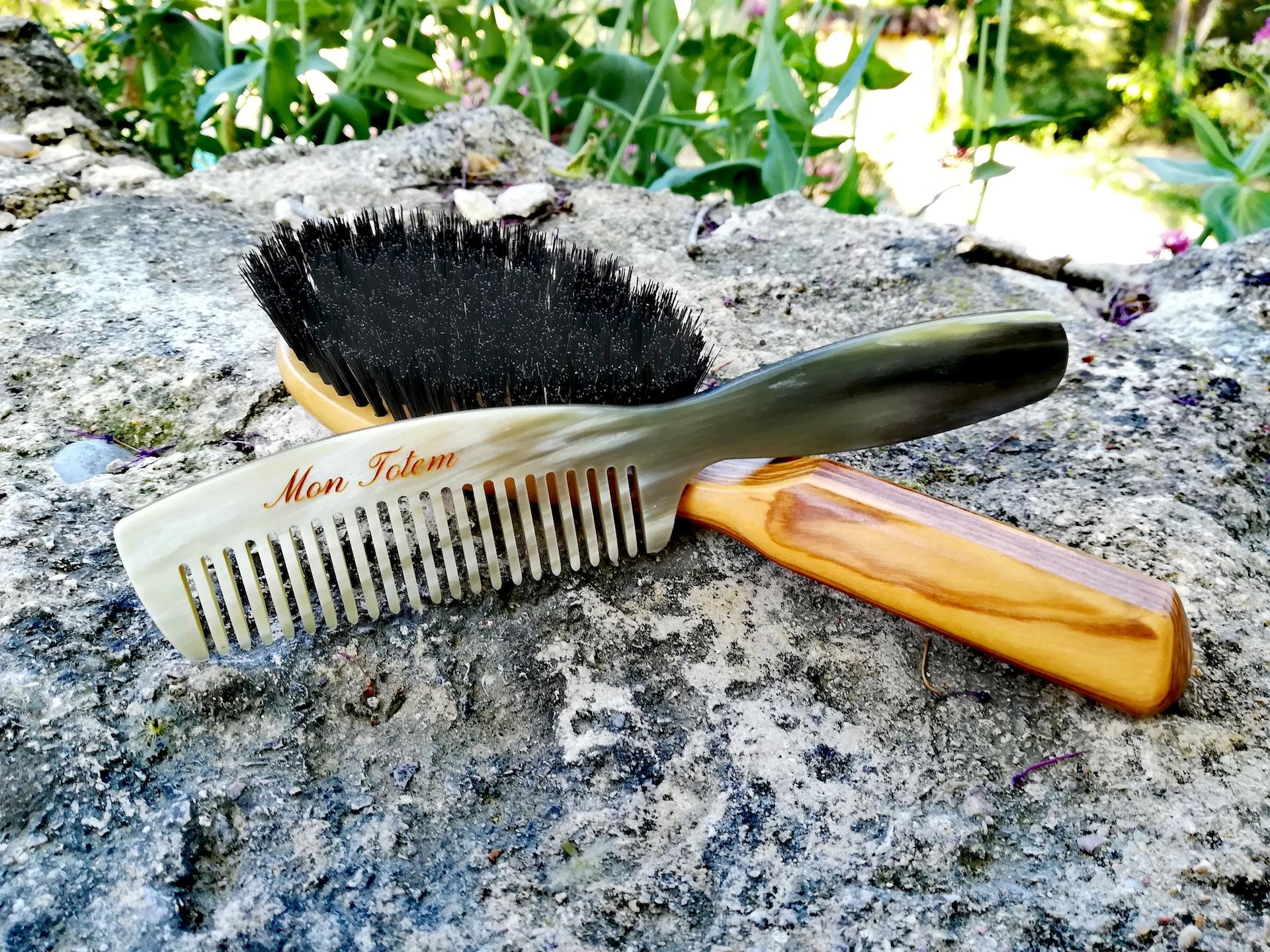 Les bienfaits des brosses à cheveux et des peignes en corne de Thomas Liorac