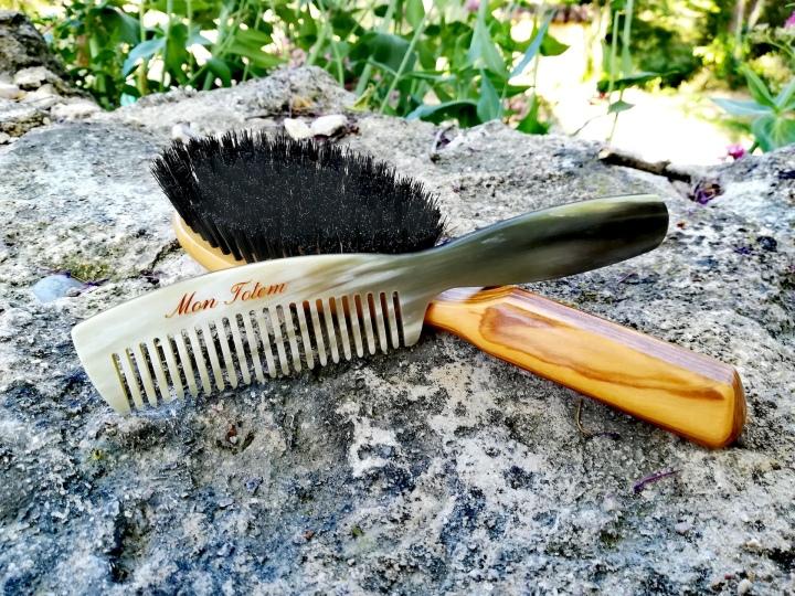 Les bienfaits des brosses à cheveux et des peignes en corne de ThomasLiorac