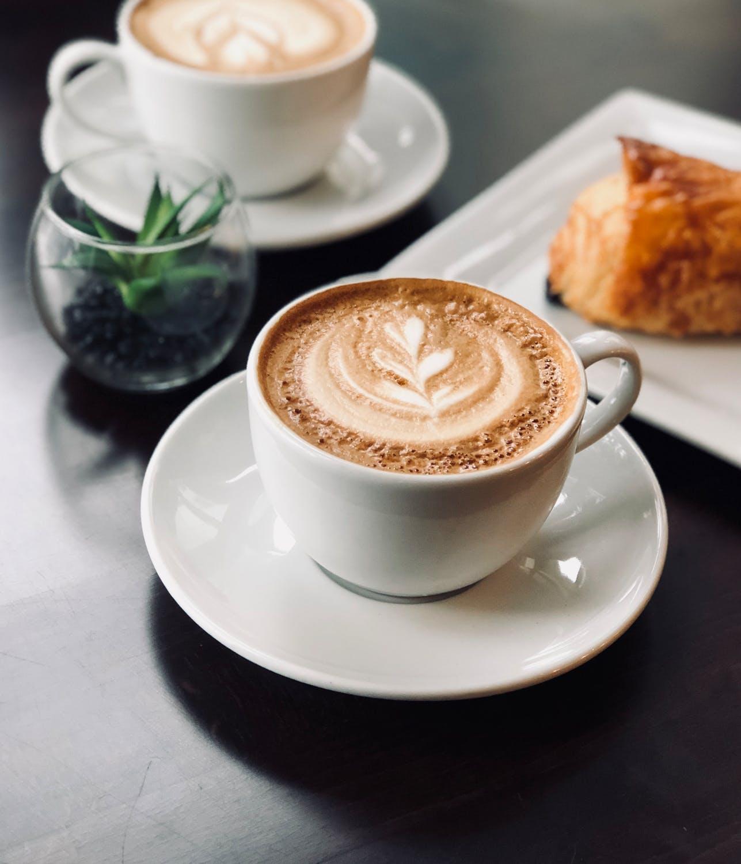 Le café bon pour la santé tout en étant raisonnable