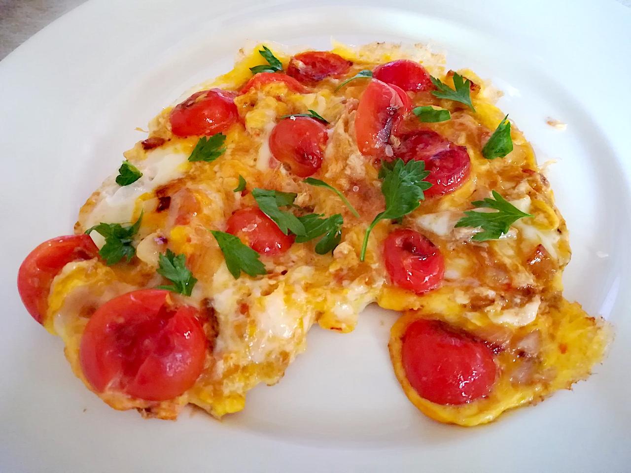 Une omelette aux tomates pour l'été