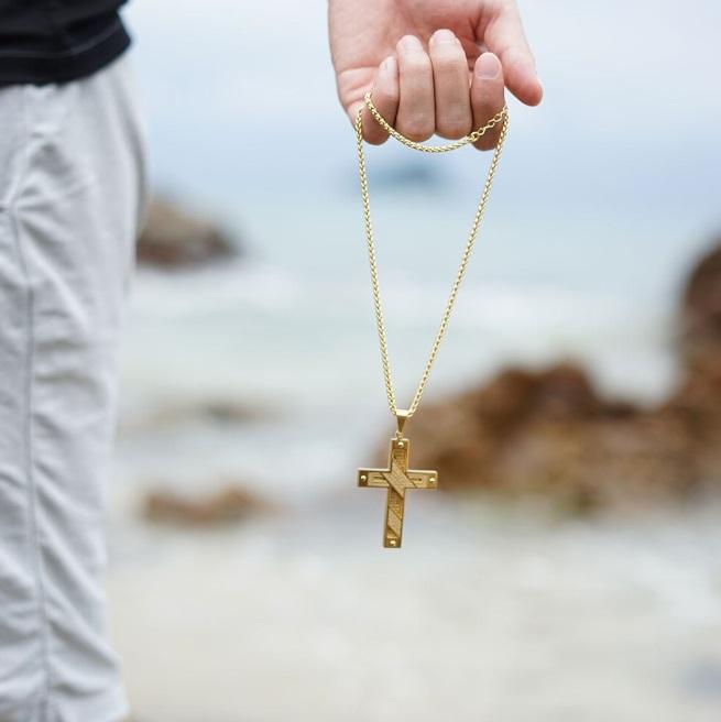 Croix en or - Mon-totem