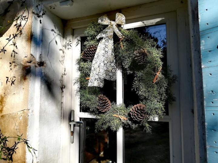 DIY déco : une couronne de Noël en sapinnaturel