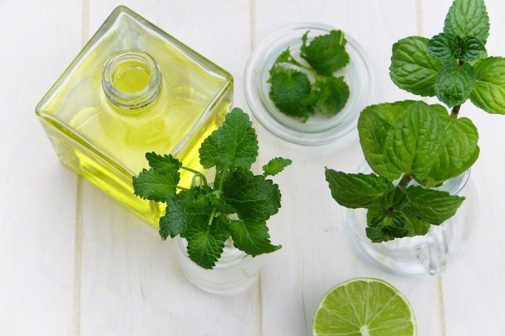 huile-essentielle-menthe-poivree