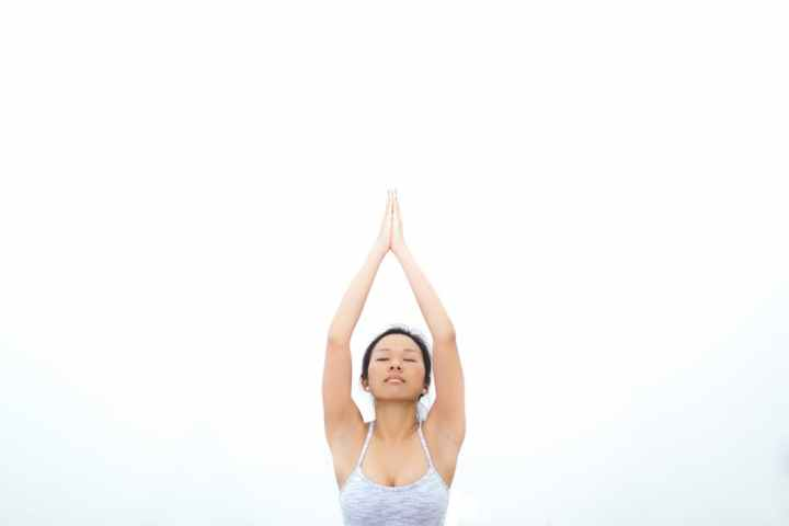 Yoga : 5 postures pour soulager le bas dudos