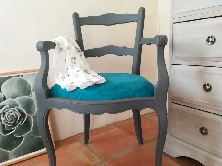 Comment rénover un fauteuil en boisancien